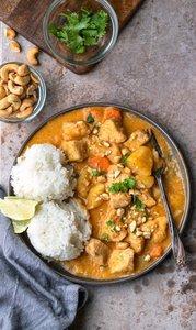THAI COCONUT CHICKEN – soja – broccoli –basmati rijst