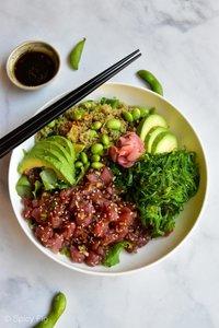 Healthy Quinoa Tuna Poké Bowl